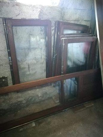 Vendo janelas em mandeira