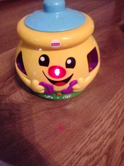 Zabawki: fischer price garnuszek, ciuchcia; pszczółka; karetka Kłobuck - image 1