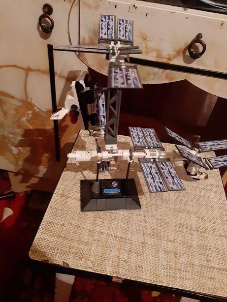 Детская космическая станция мкс 2001 года