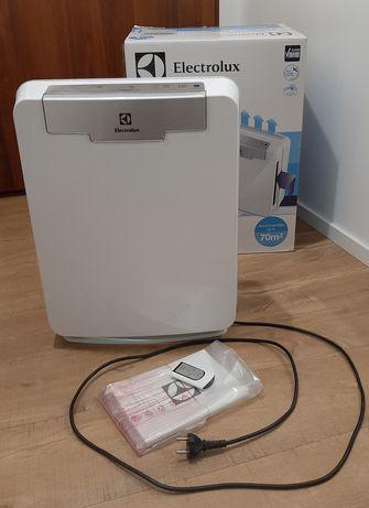 Oczyszczacz powietrza Electrolux EAP300 stan BDB kompletny pudło pilot