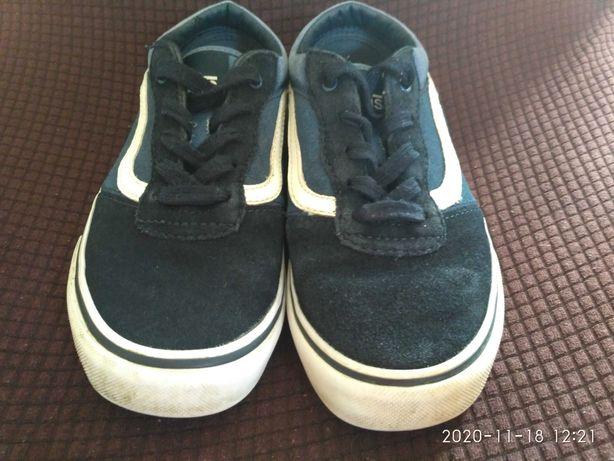 Продам фирменные детские кроссовки ботинки кеды (макасины) 20,5 см