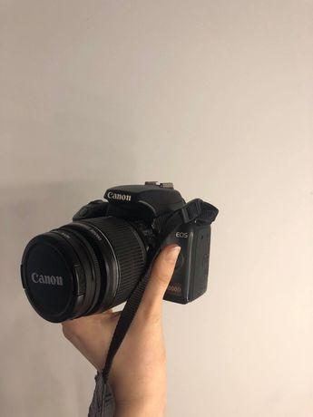 Lustrzanka Canon 1000D