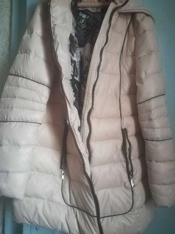 Куртка зимняя розмер S цена 500