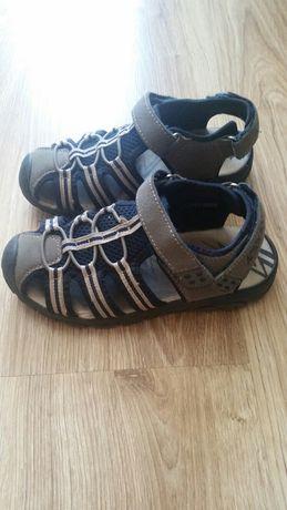 Sandały 32