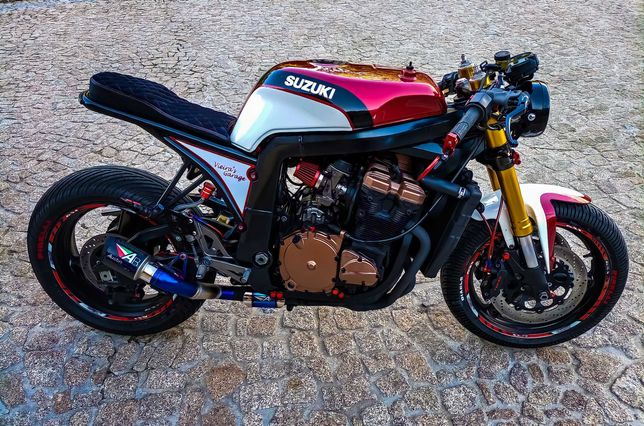 Gsxr 750 café racer