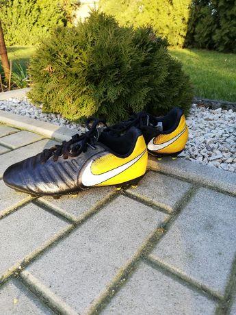 Buty sportowe korki Nike 36,5 piłkarskie