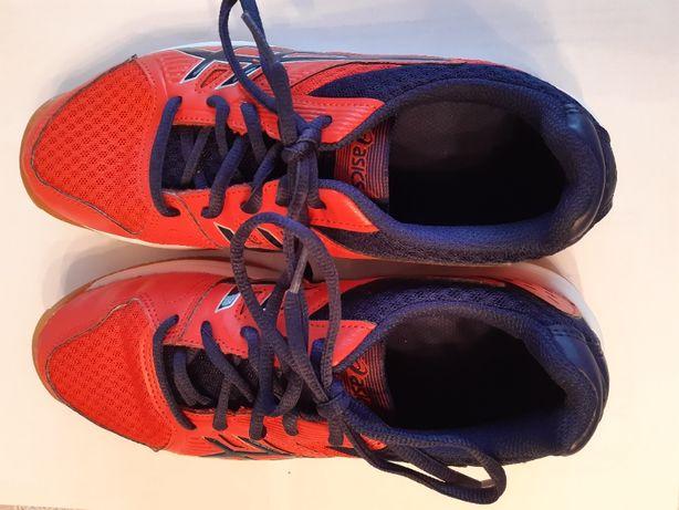 Buty chłopięco młodzieżowe sportowe rozmiar 39 firmy asics