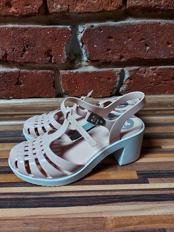 Sandały na słupku Zaxy rozmiar 38