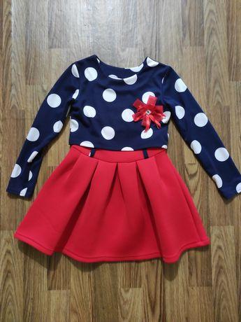 Красивое платье на 5-7 лет