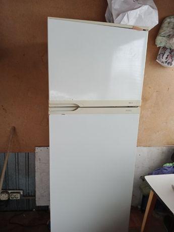 холодильник двукамерный норд рабочий.