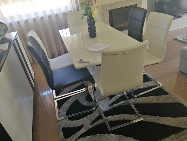 Sala jantar mesa com 6 cadeiras