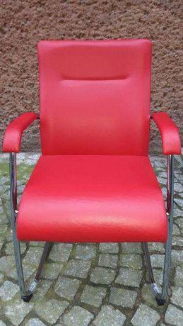 Fotel czerwony stacjonarny