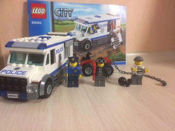 Lego CITY Перевозчик заключенного 60043
