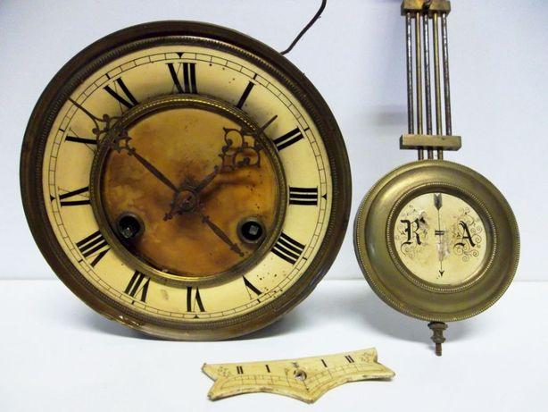 antigo relógio de parede em peças para restauro