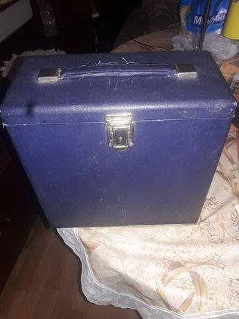 Кейс, чемодан для шелакофых патефонных  пластинок 40-50годов.