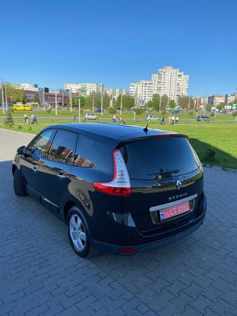 Продам Renault Grand Scenic 7-Місць.Бензин