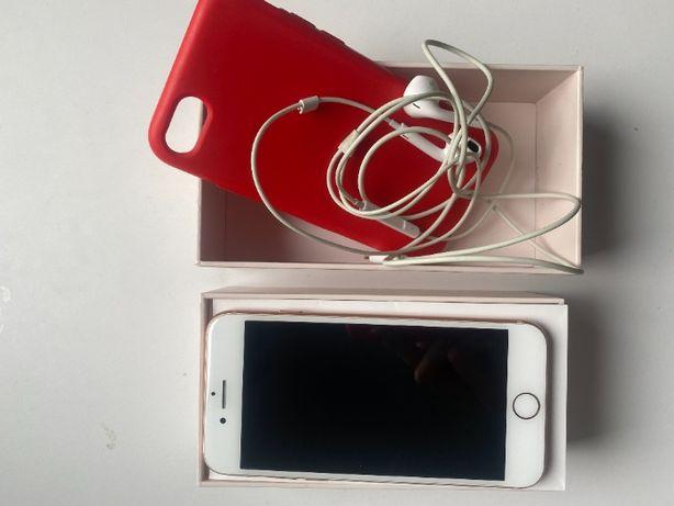 Smartfon APPLE iPhone 8 64GB Złoty