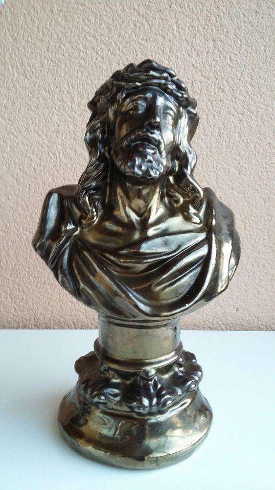 Busto do Cristo antigo em cerâmica pintada