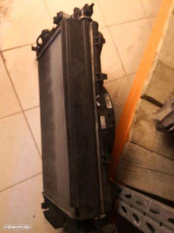 Conjunto de radiadores e moto ventilador Astra J