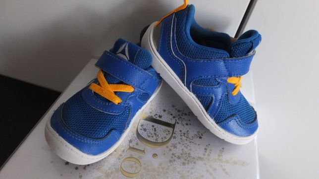 кожаные кроссовки Reebok Kids Ventureflex Stride 5.0 США р. 21, ст. 11