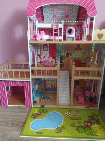 Duży drewniany domek dla lalek + meble i oświetlenie LED
