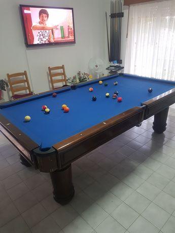Mesa de bilhar usada