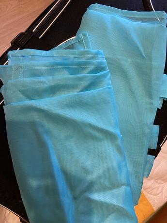 Conjunto de pendentes de cortinados. Azul bebé. Medidas 140x270. Novo