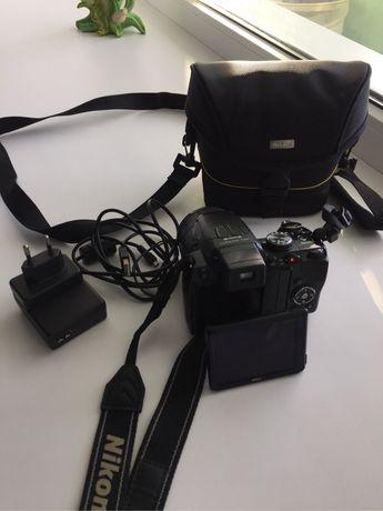 Фотоапарат Nikon coolpix P100