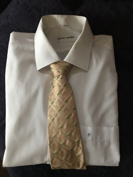 Elegancka biała koszula Pierre Cardin z jedwabnym krawatem gratis
