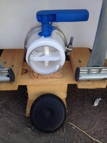 Продаю пластиковую Емкость Еврокуб 1000 литров