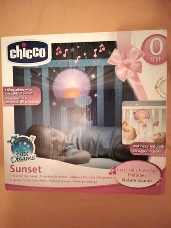 Lampka na łóżeczko z projektorem Chicco