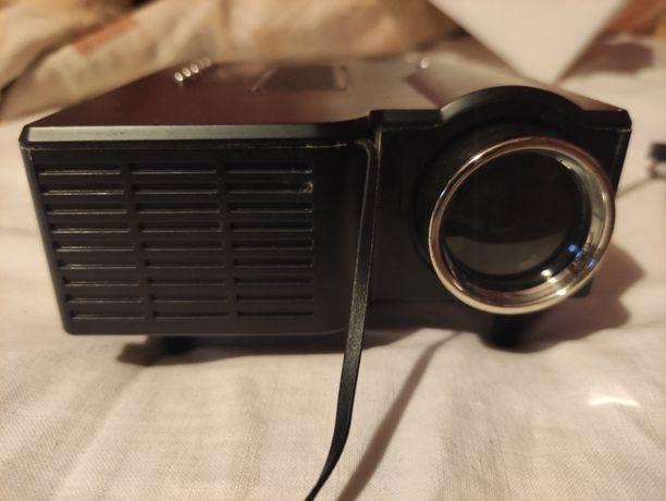 Projektor / rzutnik
