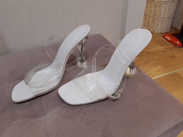 Sandały bershka przezroczyste winylowe szpilki plexsi białe platforma