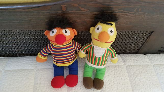 Maskotki Bert i Erni z ulizy Sezamkowej zabawki pluszaki