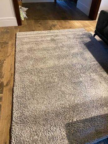 Sprzedam dywan jasno-szary