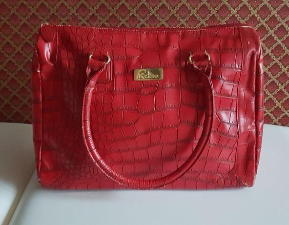 Красная сумка Avon