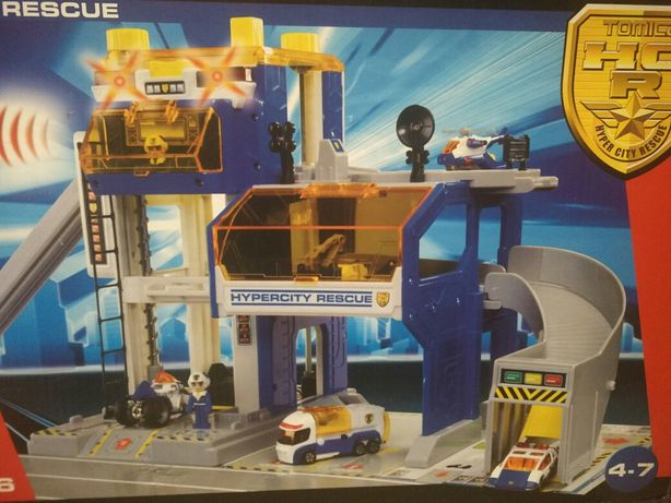 Набор игровой Tomica Полицейский Участок (T85406)