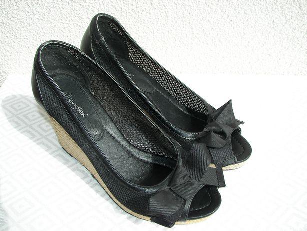 FRIENDTEX buty damskie na koturnie