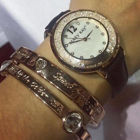 Часы женские в золотистой оправе Mary Kay с кристаллами Swarovski