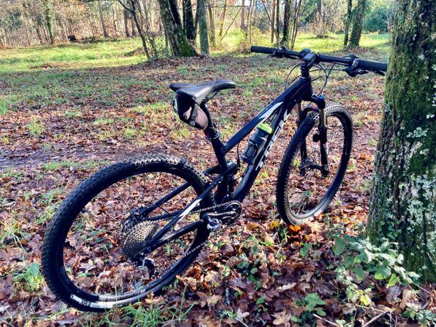 Bicicleta TREK TOP FUEL  8 29