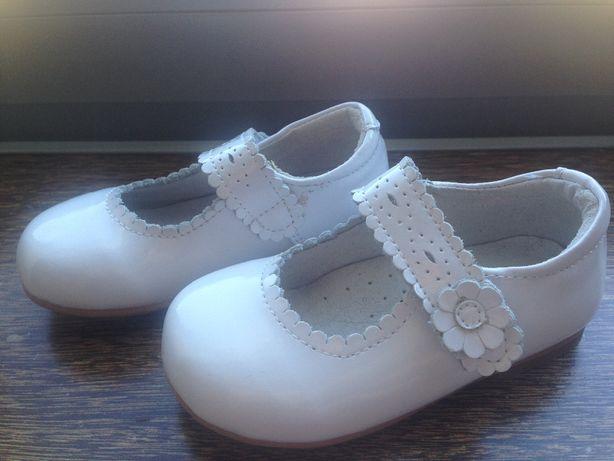 Sapatos NOVOS Menina