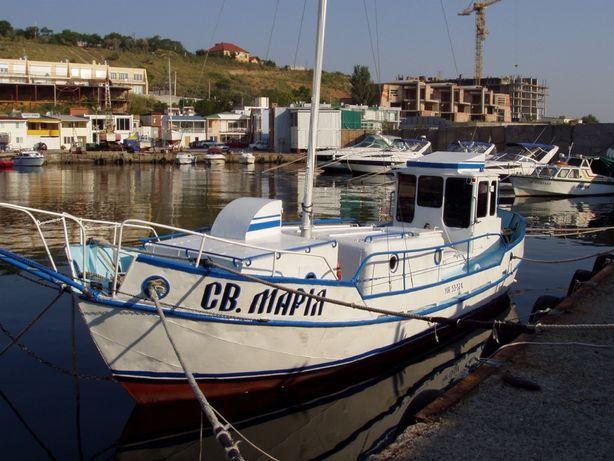 Моторно- парусная яхта,  дл.- 11м. шир.-3,2м. осадка-0,8м; Одесса