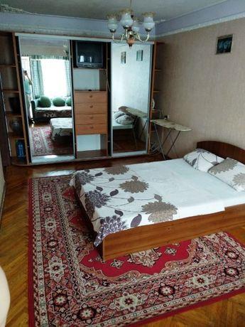 Терміново !!! Продам однокімнатну квартиру на Русанівці. М.Лівобережна