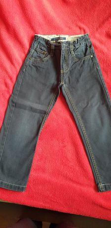 Spodnie dżinsowe r 104