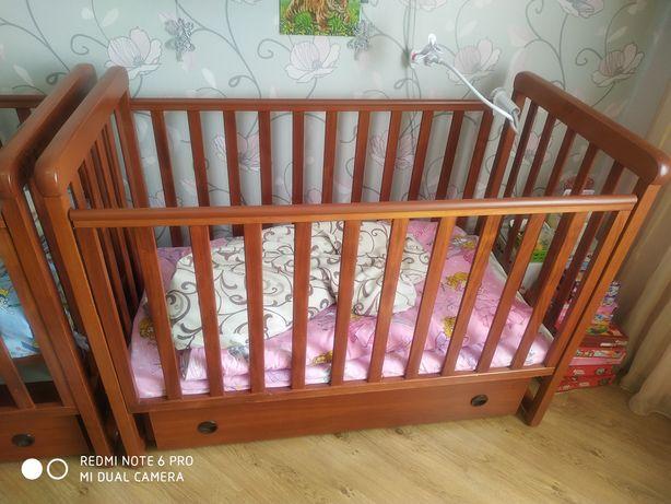 Кроватка детская. Деревянная