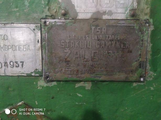 Продам вертикально-фрезерный станок 6п10 Жальгирис