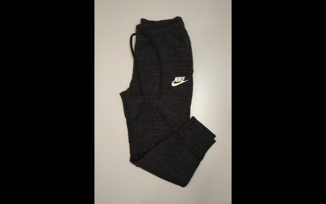 Спортивные штаны Nike s