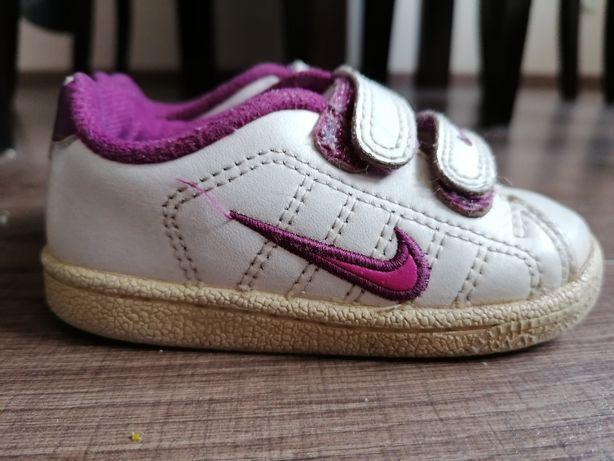 Adidaski Nike rozm. 21,5
