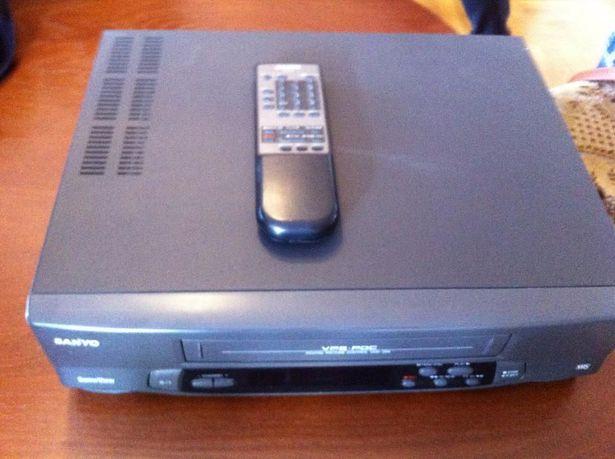 Odtwarzacz VHS z nagrywarką SANYO