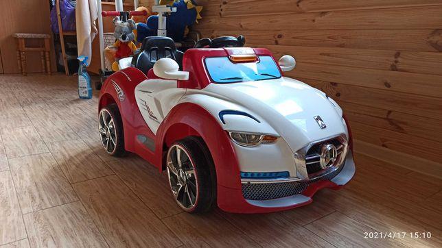 Детская машинка на аккумуляторе